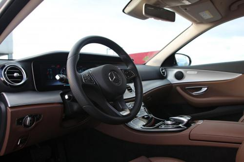 mercedes-benz-e-class-estate-interior-3