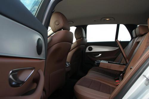 mercedes-benz-e-class-estate-interior-10