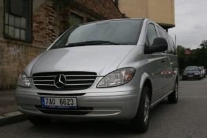 mercedes benz minibus